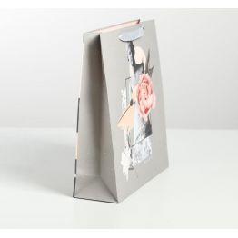 Пакет ламинированный вертикальный Beauty, M 26 × 30 × 9 см   4725244